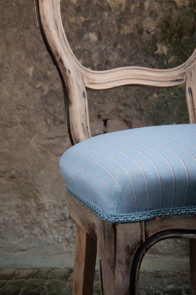 sedia-legno-rivestita-azzurra-siena-shop-la-mobille-sedute