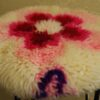 sgabello-fiori-rosa-lana-cardata