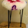 sgabello-verticale-lana.cardata-bianca-rosa-floerale